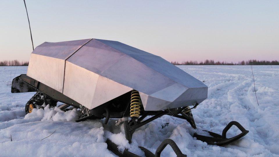 Экспериментальный макет беспилотной снегоходной платформы «Белый кот»